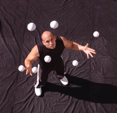 Jason Garfield executing juggling moves